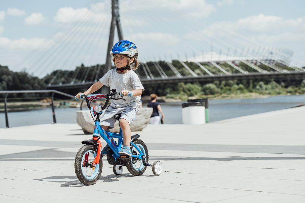 Nauka dziecka jazdy na rowerze